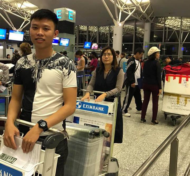 Phạm Văn Huy,Trần Vân Quyên lớp Điều Dưỡng 2017